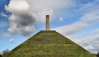 Wandelen bij de Pyramide van Austerlitz